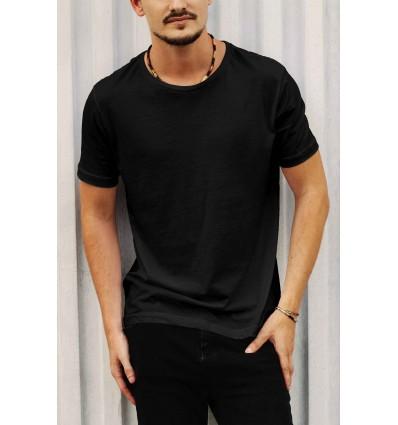 Тениска в черно